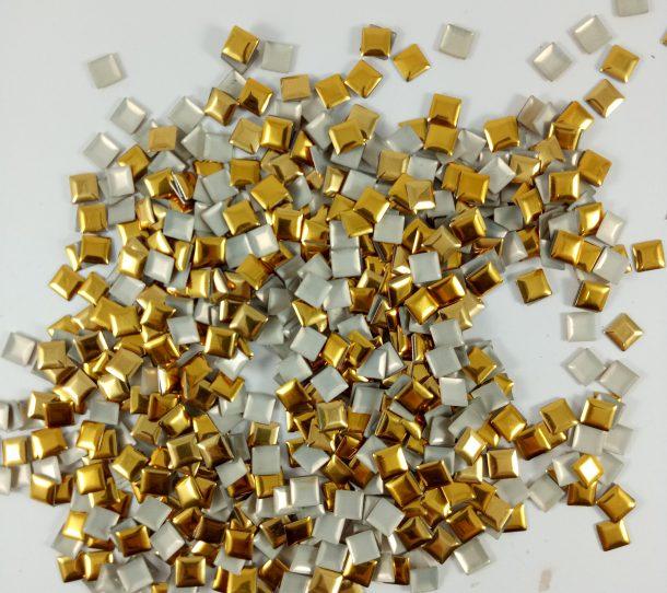 kaleng emas
